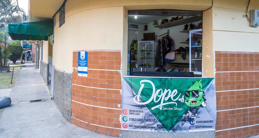 c163eb9599 Tiendas cannábicas de Medellín - Revista Bacánika