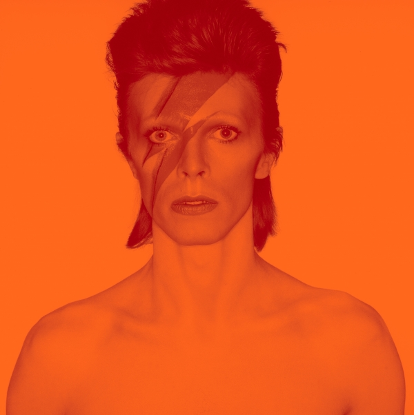 2018 David Bowie is 1 Album cover shoot for Aladdin Sane 1973 v3 DRAFT 4 2000w 600 602